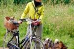 Yuno in fietsmand, Kari en Ronja - 13 juli 2013 (9062)