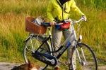 Yuno in fietsmand, Kari en Ronja - 13 juli 2013 (9086)
